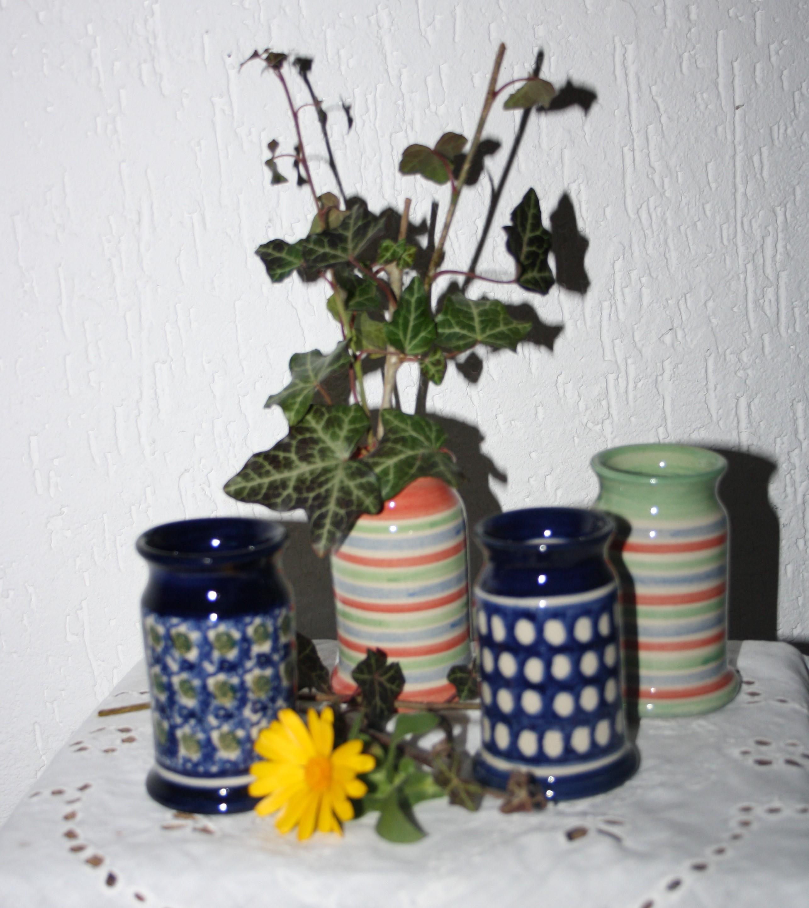 Vase ohne Henkel, klein, gerade